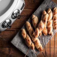 Bröd på pinne av Ankarsrum